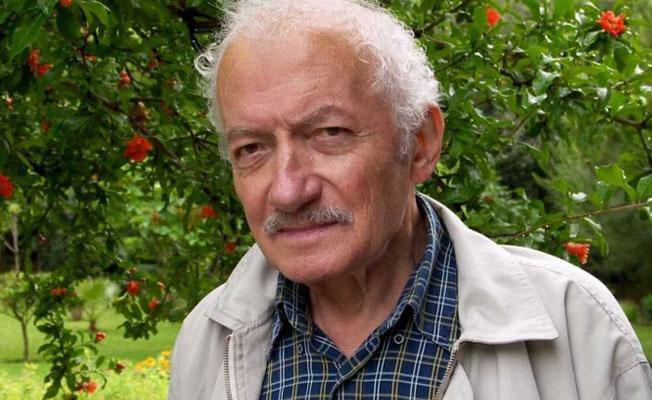Şiir eleştirmeni Mustafa Öneş yaşamını yitirdi