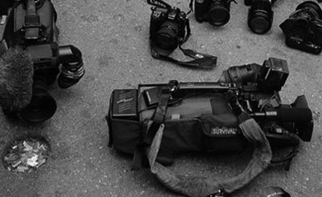 """Türkiye'nin """"çalışamayan"""" gazetecileri: 145 gazeteci tutuklu, 6 gazeteci 17 gündür gözaltında"""