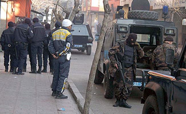 İstanbul ve Adana'da ev baskınları: Çok sayıda gözaltı