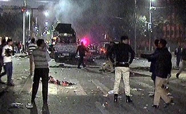 Kimyagerlerin eylemine bombalı saldırı: 10 ölü