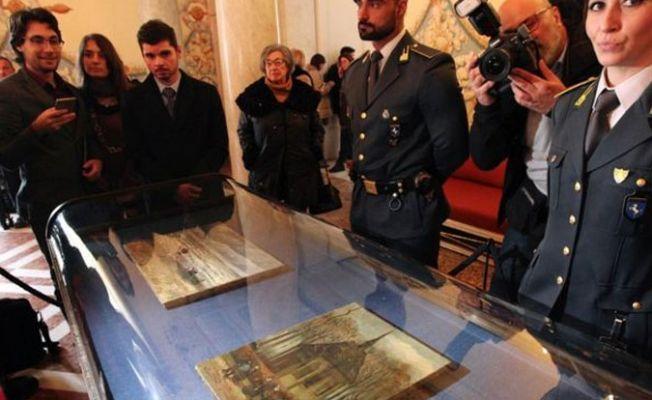 Mafyanın elinde bulunan Van Gogh tabloları 14 yıl sonra ilk kez sergileniyor