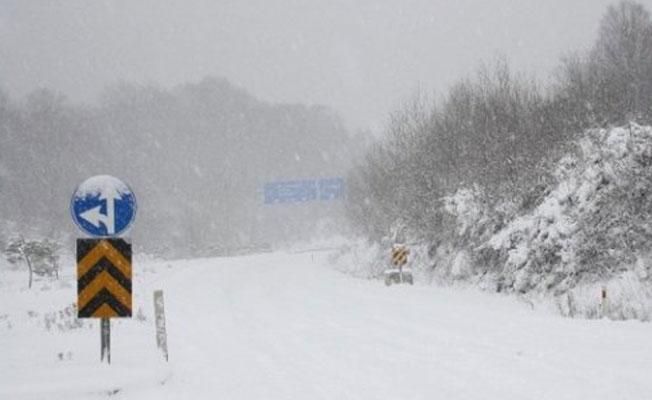 Karda mahsur kalan yaklaşık 700 kişi kurtarıldı