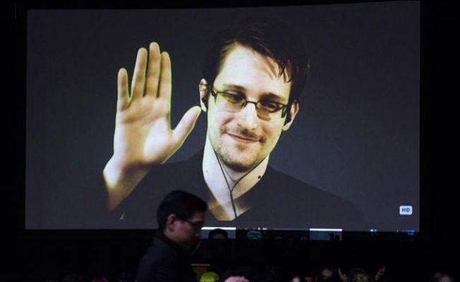 Snowden, Rusya'nın kendisini ABD'ye teslim edeceğine dair iddiaları yalanladı