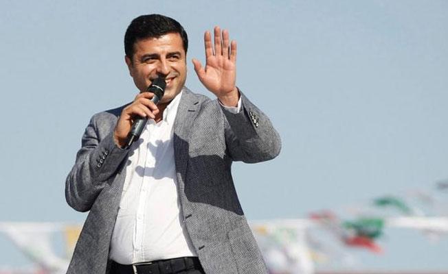 Demirtaş'tan yeni öykü: Kara gözlere selam olsun