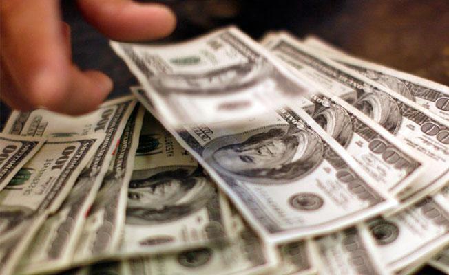 Dolar/TL 3.71'i aştı