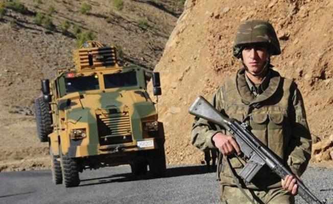 Hakkari'de 1 asker yaşamını yitirdi, 3 asker yaralı