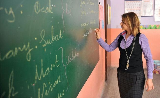 """""""Mazeret ataması"""" ile """"alan değişikliği"""" isteyen öğretmenlere yeni hak"""