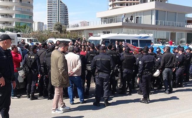 Meral Akşener'in Mersin'deki toplantısına saldırı girişimi