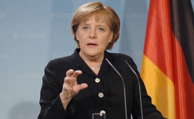 Merkel'den Erdoğan'a 'Nazi' yanıtı