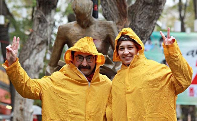 Nuriye Gülmen ve Semih Özakça açlık grevinin 10'uncu gününde gözaltında