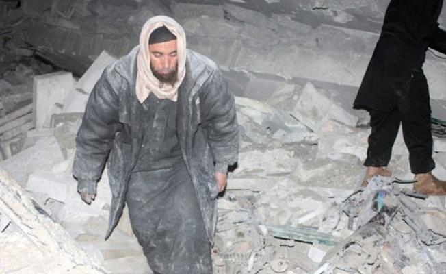 Suriye'de camiye hava saldırısı: En az 42 ölü