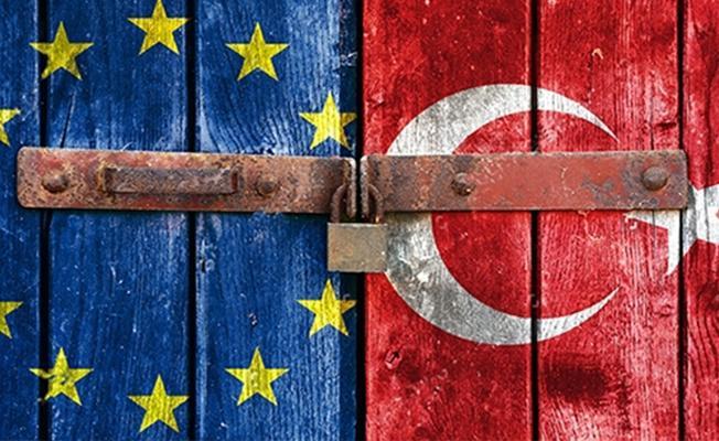 """""""Türkiye bugün, Avrupa Birliği'ne üyeliğe hiç olmadığı kadar uzak"""""""