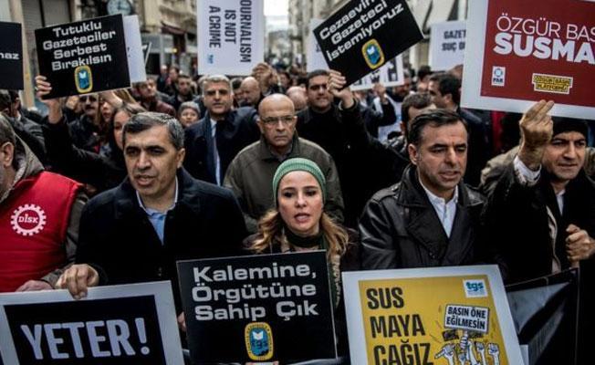 Uluslararası Basın Enstitüsü: Türkiye'de gazeteciler mahkemelerin kurbanı
