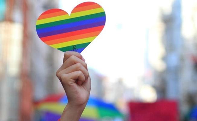 'YouTube, LGBT içerikleri sansürlüyor' iddiası