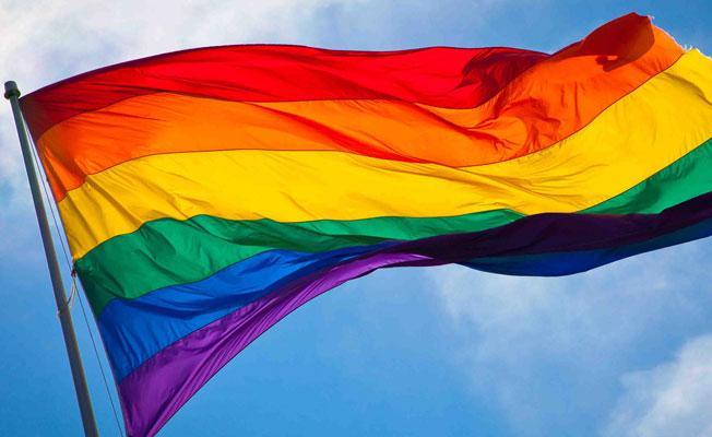 Eşcinselliği öğretmeyen okullara ceza
