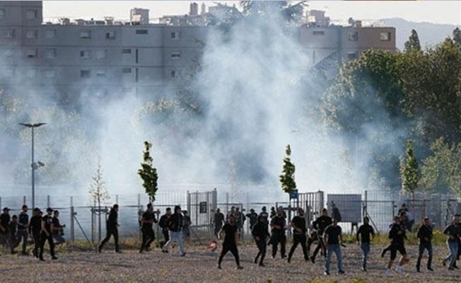 Fransa polisi, Lyon maçı öncesinde Beşiktaş taraftarına müdahale etti