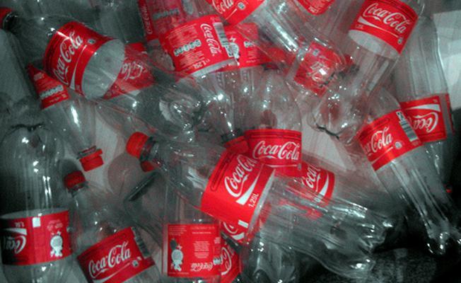 """""""Okyanuslarda Coca Cola'nın plastiklerine daha fazla yer kalmadı"""""""