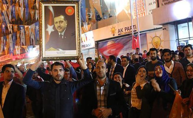 Times: Erdoğan'ın zaferi geride 'bölünmüş bir Türkiye' bıraktı