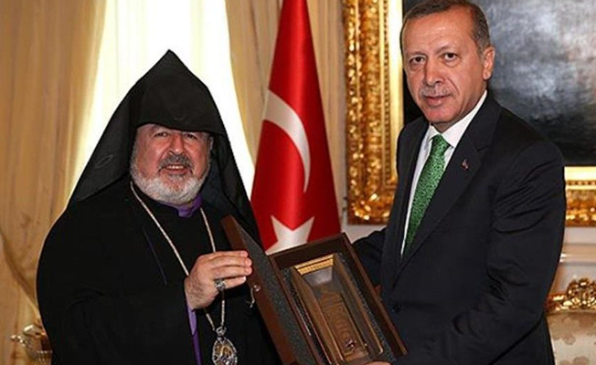 Aram Ateşyan, Patrik vekilliğinden istifa etti