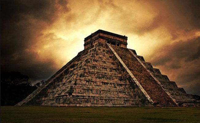 Bilginin, sanatın, çöküşün ve savaşın gölgesinde bir halk: Mayalar