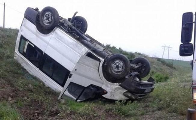 Çorum'da öğrenci servisi kaza yaptı