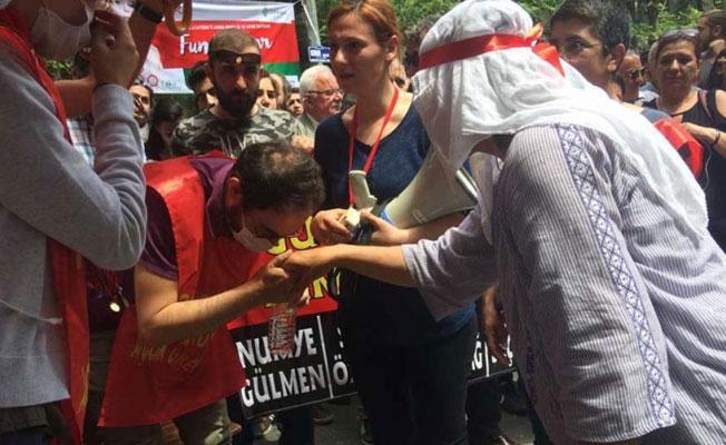 Gülmen ve Özakça'nın annelerinden direniş alanına ziyaret: 'AKP'ye öfkeliyim