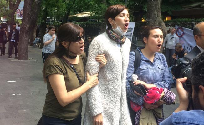 Gülmen ve Özakça'ya desteğe gelenlere gözaltı