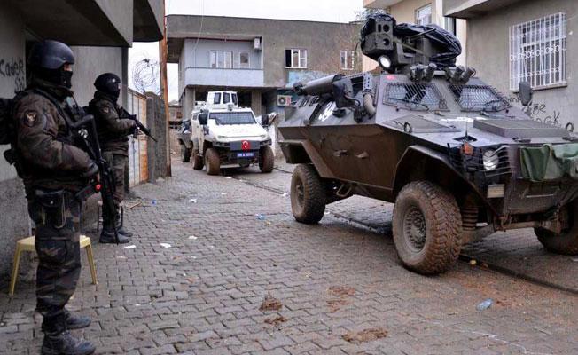 İdil'de asker ve koruculardan ev baskını: Gözaltılar var