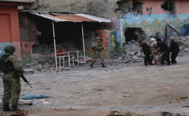 Sur davasında gazeteci Mazlum Dolan ve 8 kişi tahliye edildi