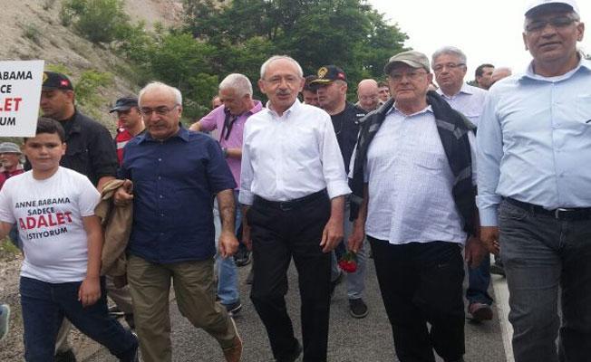 Adalet Yürüyüşü'ne İHD ve THİV de katıldı: 'Adalet çığlığına sessiz kalamam'