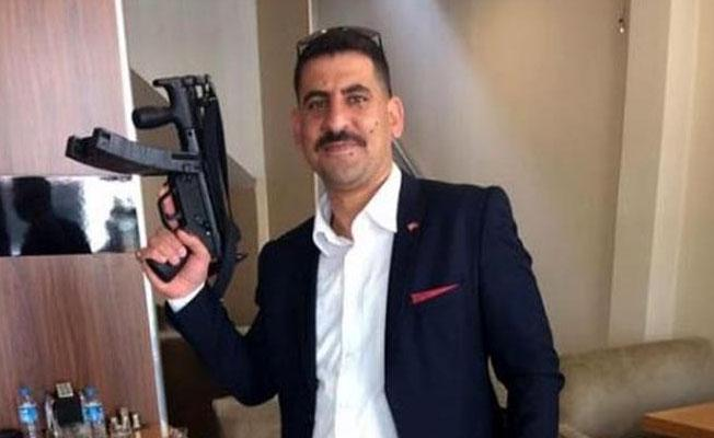 AKP Gençlik Kolları üyesinden MP5 silahla paylaşım!