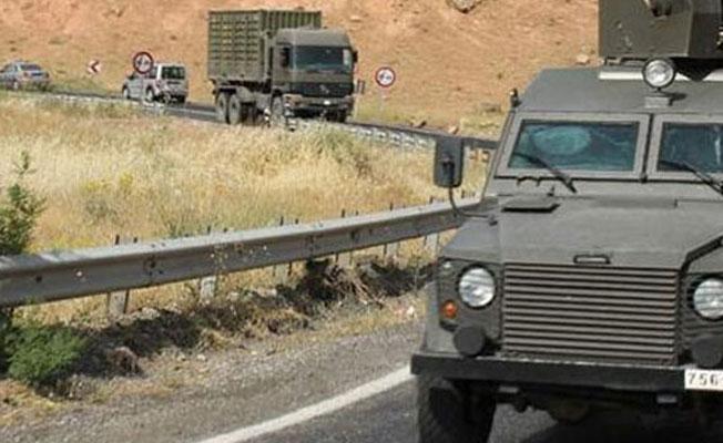 Askerleri taşıyan araç devrildi: 1 asker hayatını kaybetti, 6 yaralı