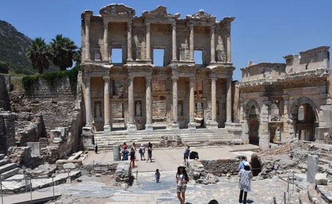 Bakanlık'tan, 'Efes'te düğün' açıklaması