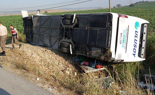 Balıkesir'de yolcu otobüsü devrildi: 1 ölü, 47 yaralı