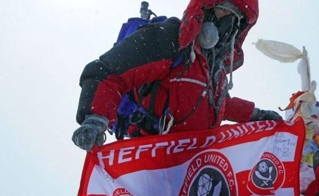 Birkaç ay ömrü kalan kanser hastası Everest'in zirvesine çıktı