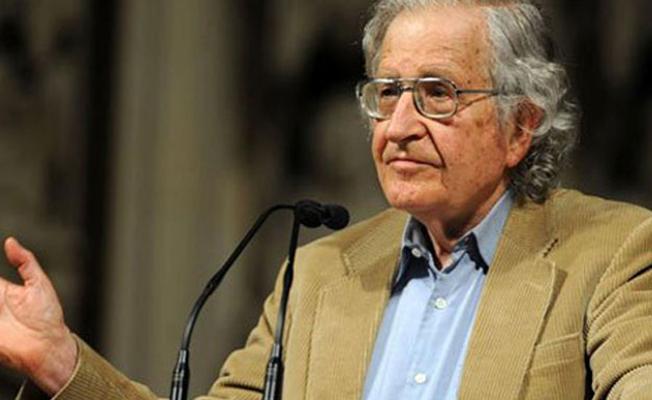 Chomsky: Gülmen ve Özakça'nın talepleri bir an önce kabul edilmeli