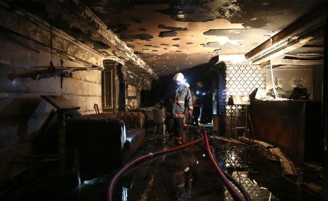 İstanbul'da 5 katlı otelde yangın: 2 kişi hayatını kaybetti