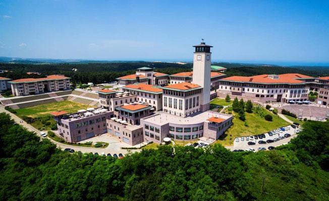 Koç Üniversitesi, basın özgürlüğü konulu sunumu 'politik hassasiyetler' gerekçesiyle iptal etti