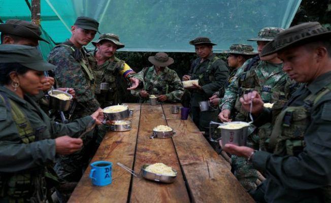Kolombiya hükümeti 315 eski FARC gerillasını koruma olarak işe alacak