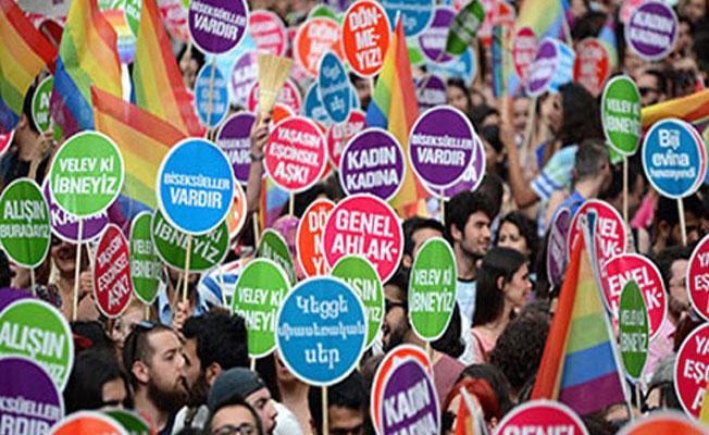 Onur Haftası Komitesi: Yürüyoruz, Alışın, Burdayız, Gitmiyoruz!