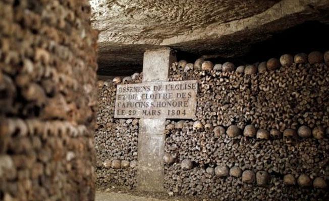 Paris'in yeraltı mezar tünellerinde kaybolan gençler kurtarıldı