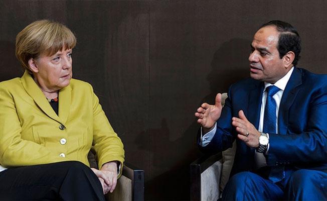 Sisi, Merkel'le görüştü