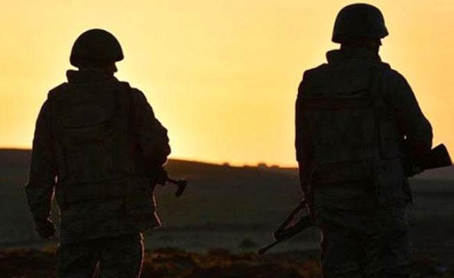 Uludere'de askeri üs bölgesine saldırı: İki asker hayatını kaybetti