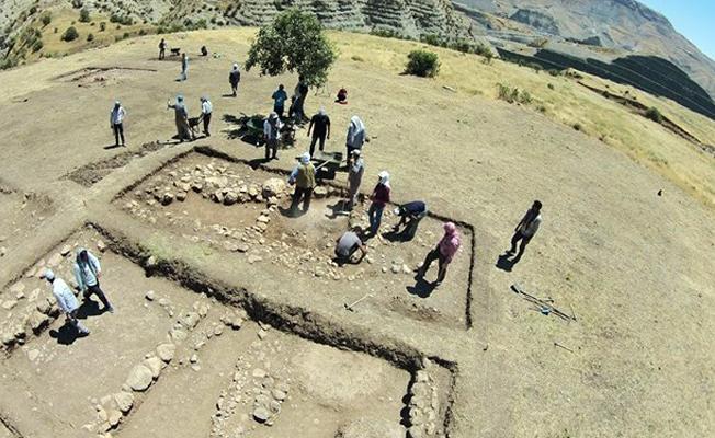 10 bin yıl önce Mardin'de ölüler ev tabanlarının altına gömülüyormuş