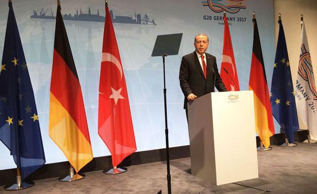 Erdoğan: Demirtaş bir teröristtir, Kürtleri sokağa dökmüştür