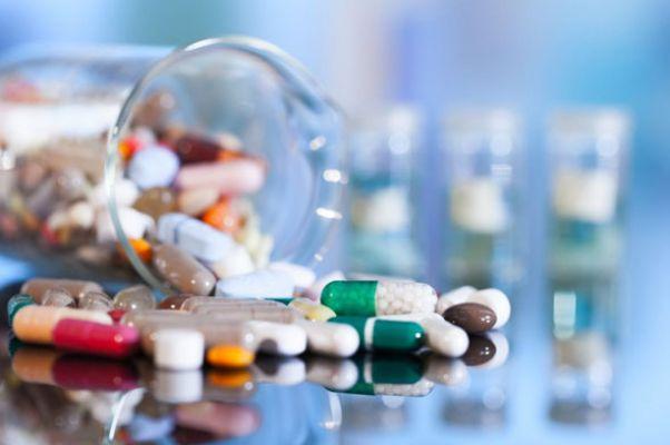 İngiliz tıp uzmanları: Antibiyotikler iyi hissedene dek kullanılmalı