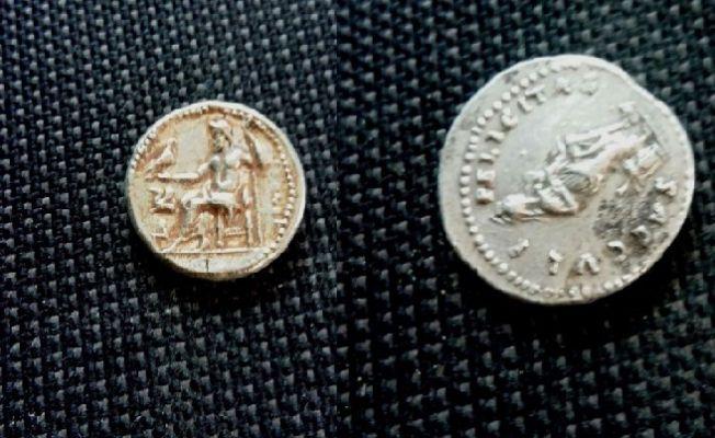 Arama yapılan araçtan Bizans dönemine ait tarihi eser çıktı