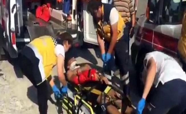 Halı silkeleyen 3 öğrenci pencereden düştü