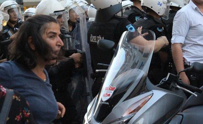 Kadıköy'de müdahale: Berkin Elvan'ın annesi de gözaltına alındı