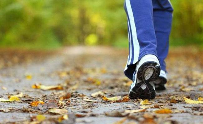Orta yaşlılara tavsiye: 10 dakika hızlı yürüyün